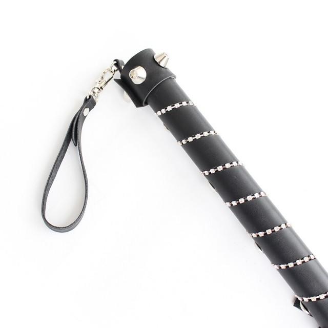 Плеть с кнопками и стразами LoA hard, PVC кожа, Черная 77см
